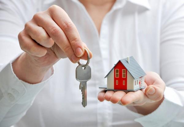 Часто предприятия, которые хотят привлечь молодых специалистов, предоставляют им жилье или помогают в его приобретении