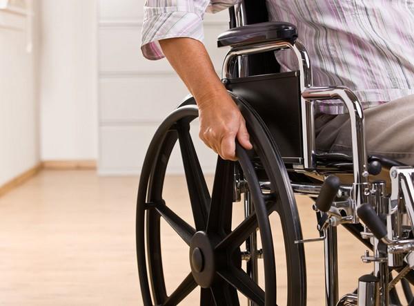 Инвалидам ежемесячно положено пособие, размер которого зависит от группы