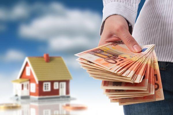 Что выбрать – кредит или ипотеку, - зависит от необходимой человеку суммы