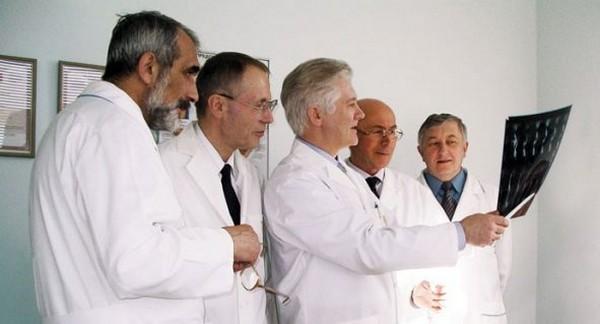 Для установления инвалидности проводится военно-врачебная экспертная комиссия