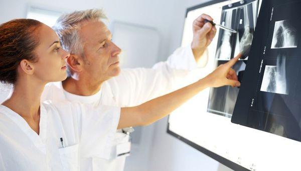Сотрудник обязан пройти медицинское освидетельствование для постановки конкретного диагноза