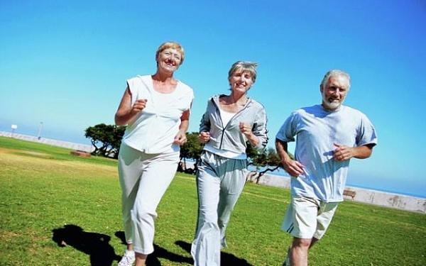 Даже в пожилом возрасте стоит заниматься спортом, правильно питаться
