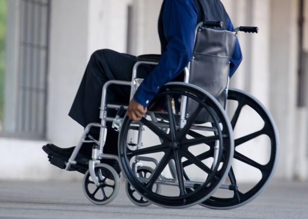 Иногда из-за травм на производстве гражданину может быть установлена инвалидность