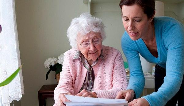 Перед тем как подписать социальный контракт, пенсионер должен подробно с ним ознакомиться
