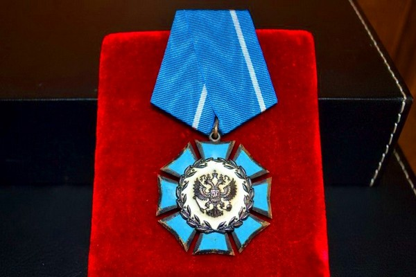 Орден Почета стал вручаться с 1994 года