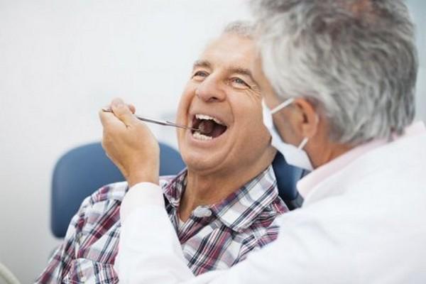 В государственных, муниципальных клиниках гражданам с таким званием бесплатно изготовят или починят зубные протезы