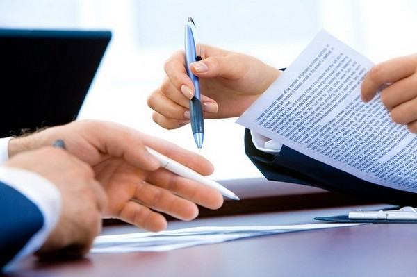 В пенсии могут отказать, если некоторых документов не хватает, и после того, как это будет исправлено, деньги начнут перечислять
