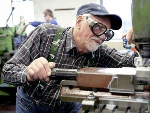Для работающих пенсионеров существует трехбалльный лимит
