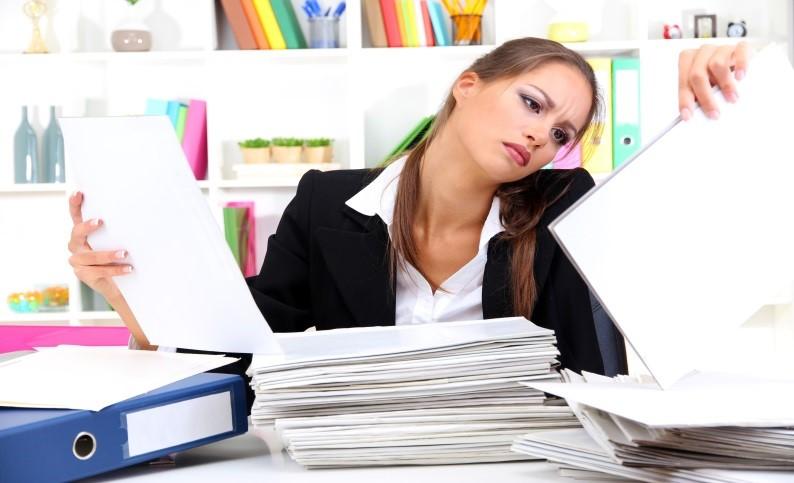 Если сотрудница работает по совместительству, то при уходе в декрет ей придется написать сразу два заявления