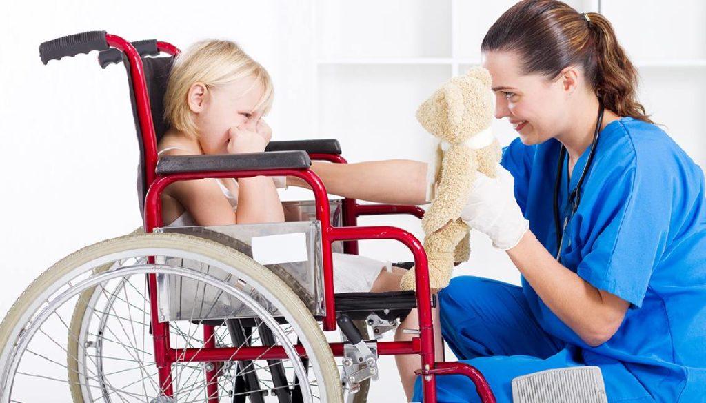 Момент признания ребенка инвалидом никак не сказывается на получении родителем досрочной пенсии