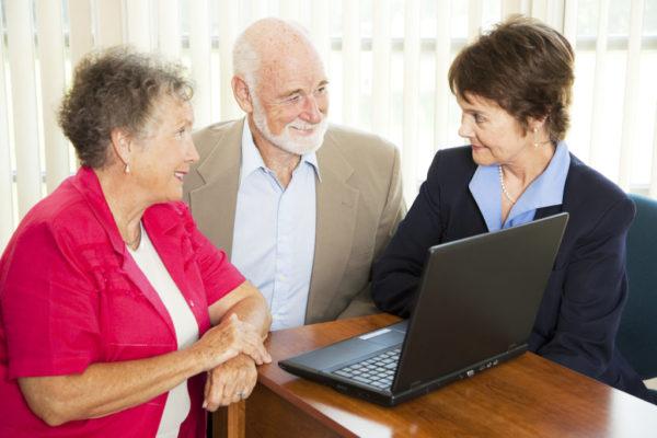 Можно ли оформить пенсию по месту жительства, а не прописки