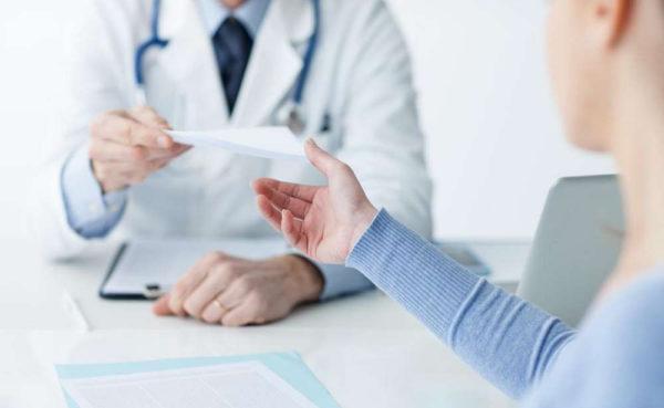 Право на выдачу листа имеют только организации с официальным разрешением на экспертизу временной нетрудоспособности
