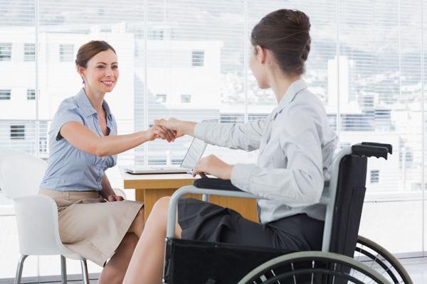 Предоставление условий для работы без нарушения ИПР является обязанностью работодателя при приеме лица с инвалидностью