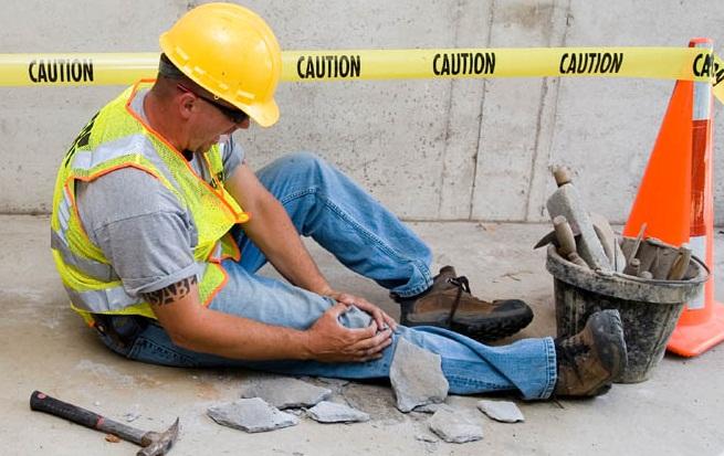 Производственные травмы дают сотруднику право на получение пособия