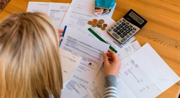 Суммы социальных вычетов не переносятся на следующий год, их надо вернуть за тот год, когда была уплачена сумма за эти виды услуг