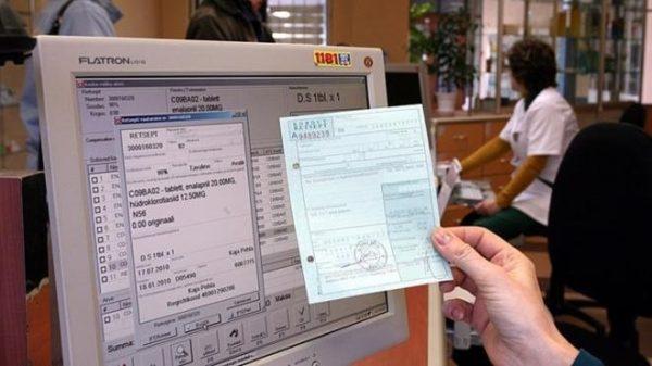 Центр занятости оплачивает больничный при условии, что заболевший признан официально безработным и встал на учёт в отделении по месту прописки