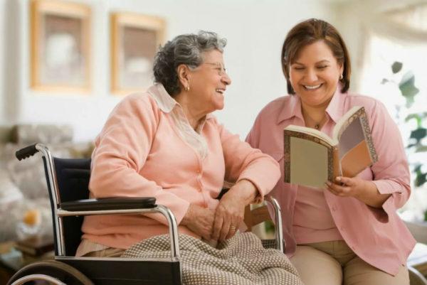 Уход за детьми или престарелыми родственниками считается разновидностью отпуска за свой счет и не оплачивается