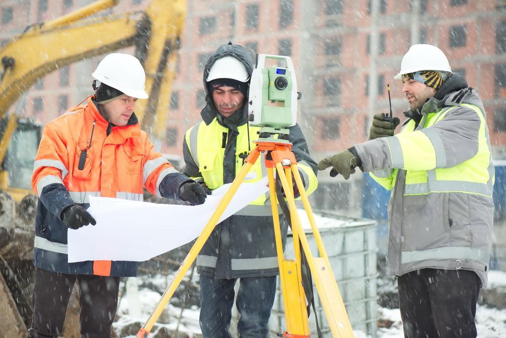 Вредные и опасные условия труда позволяют сотруднику раньше уйти на пенсию