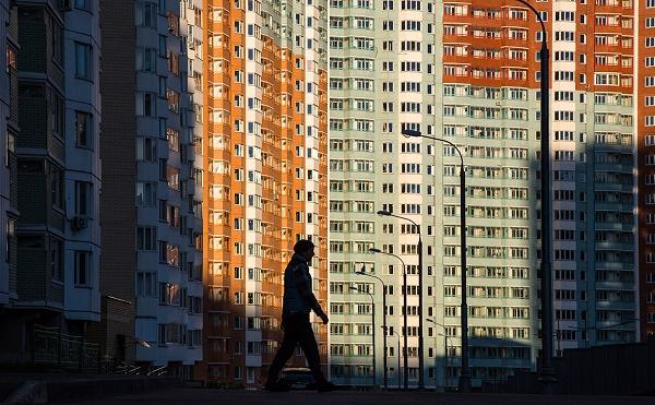 Граждане, трудящиеся в чиновничьем аппарате, которые имеют более трех детей, могут приобрести во владение дополнительное жилье с использованием субсидии