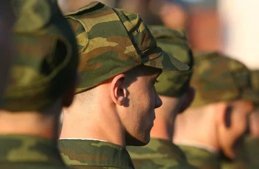 Военнослужащие имеют право на пенсию по выслуге лет