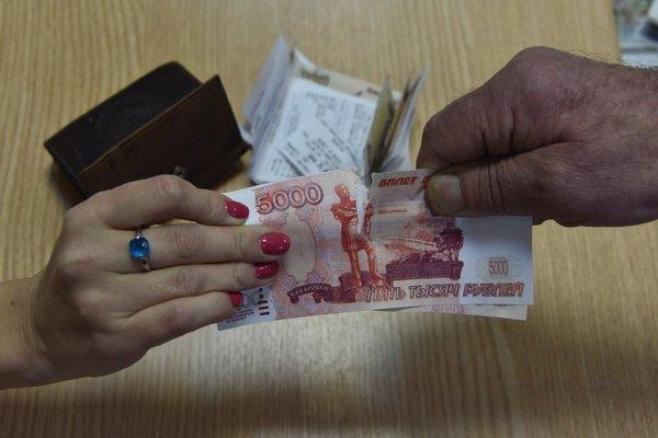 При расчете выплаты учитывается заработная плата женщины за два года работы