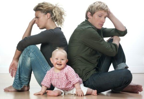 Как получить справку, если семья еще не находится в разводе, но нормальных отношений между ее членами не сохранилось